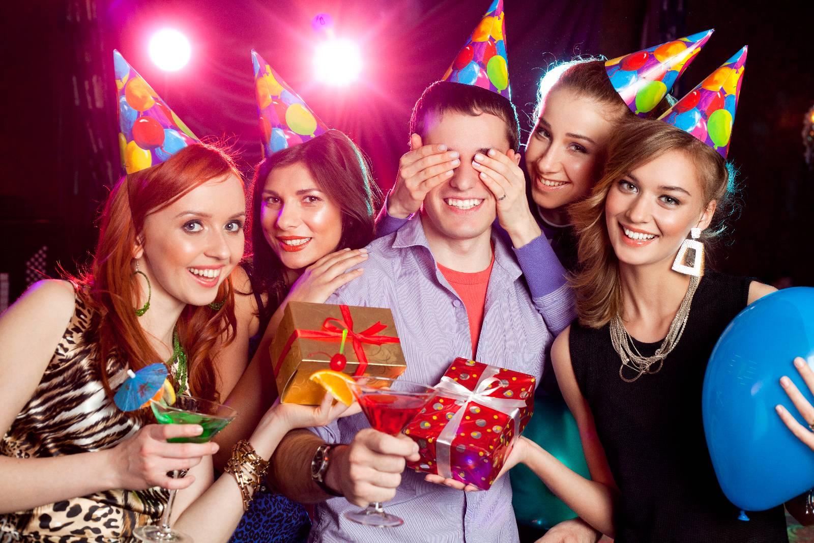 как сфотографироваться на дне рождения всего взять сувенирные