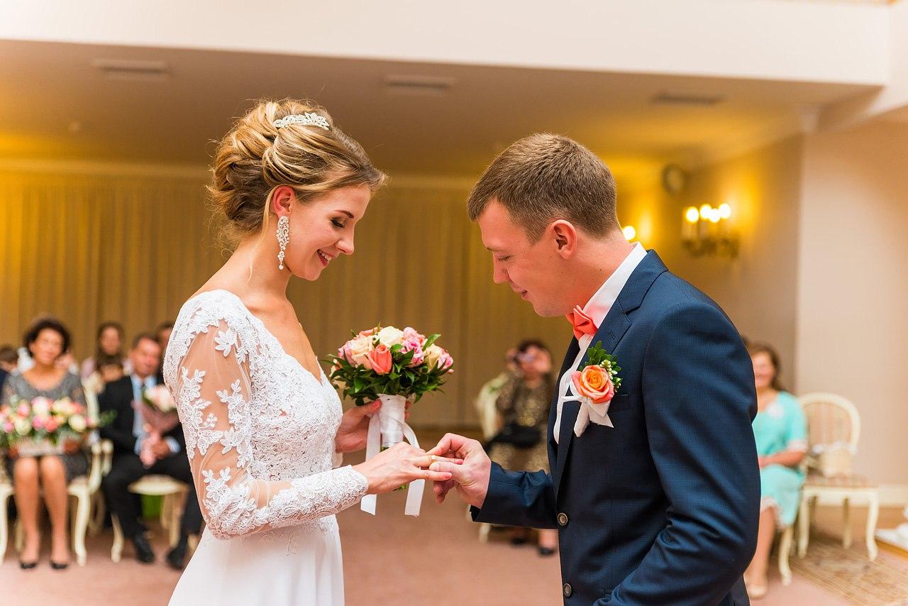 способы, могу ли я выкладывать фотографии со свадьбы простая